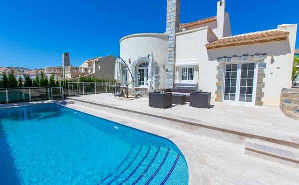Villa à vendre à Punta Prima